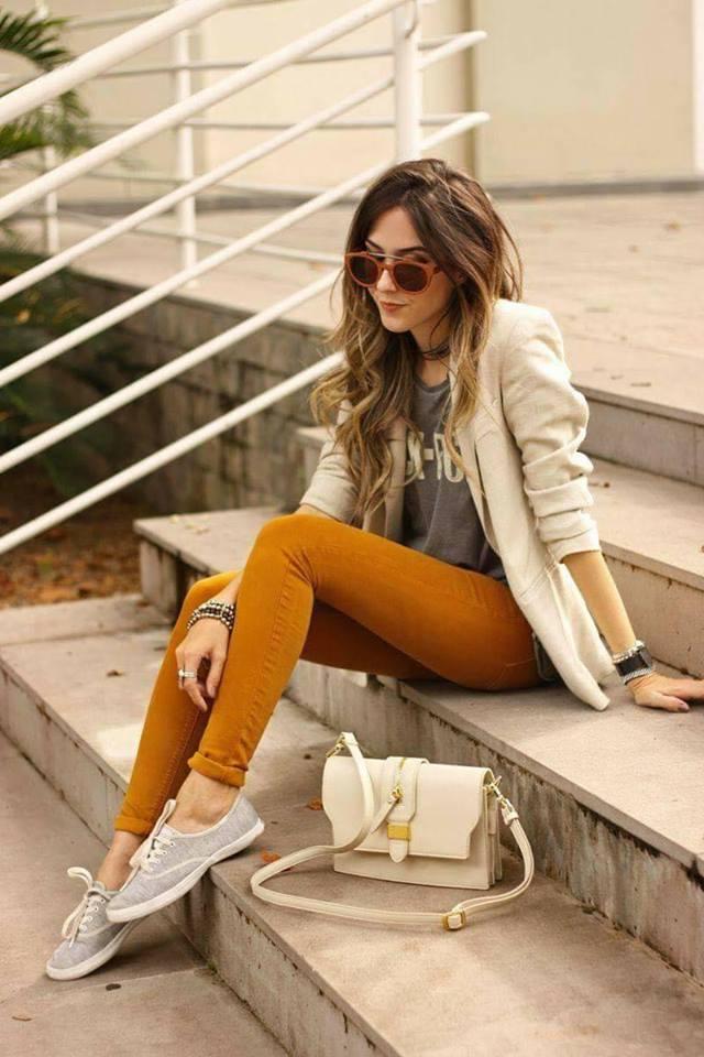 Como combinar el color mostaza en ropa