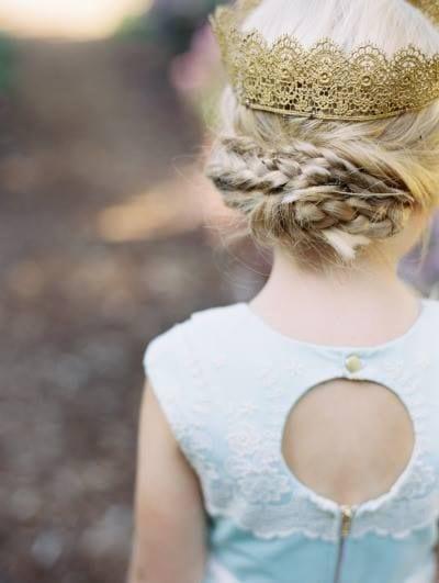 Peinados de princesas para niñas con corona