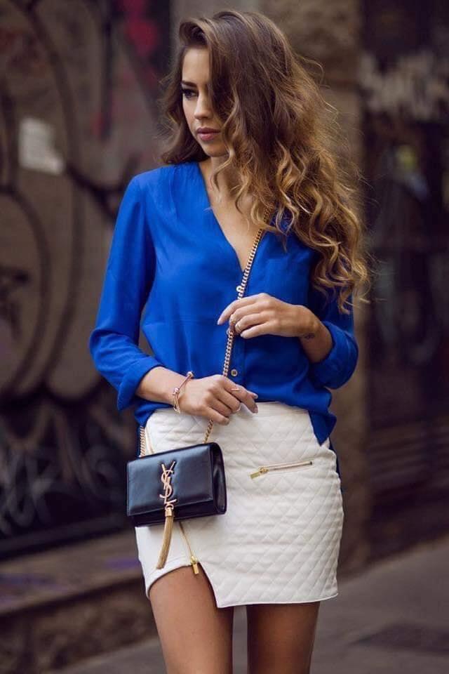 Blusa en color azul para mujeres maduras de 40 años o más