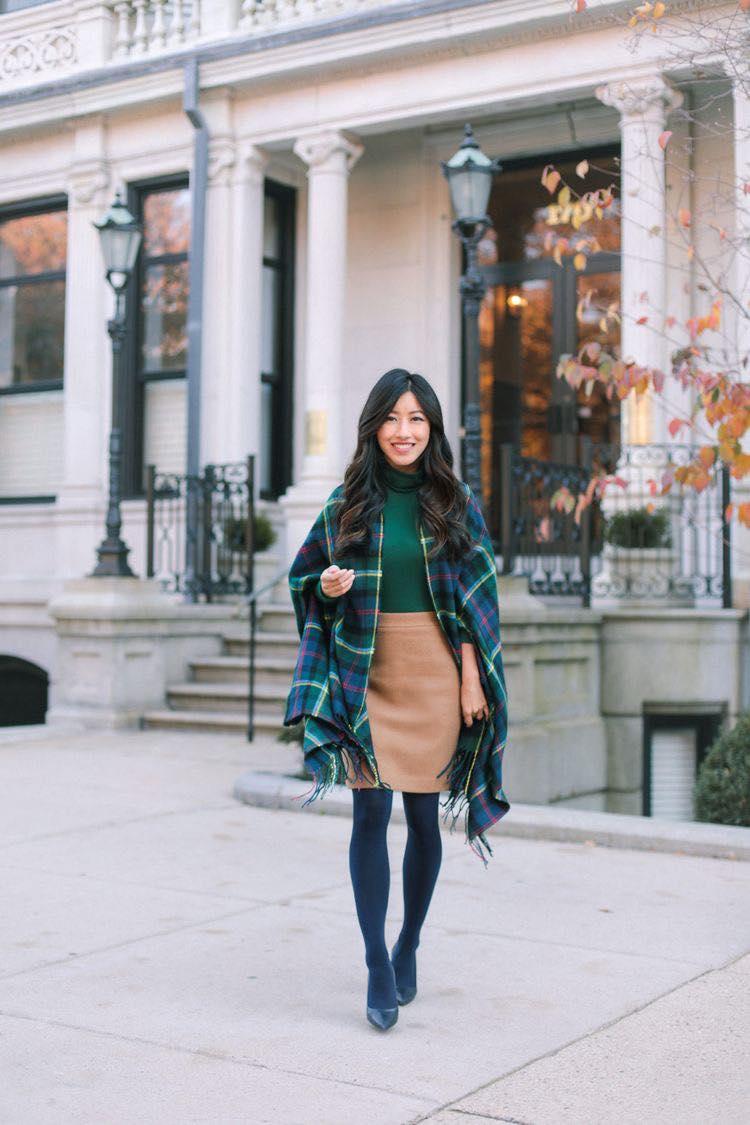 Chal para look colorido de mujeres de 40 o más en la temporada de frío