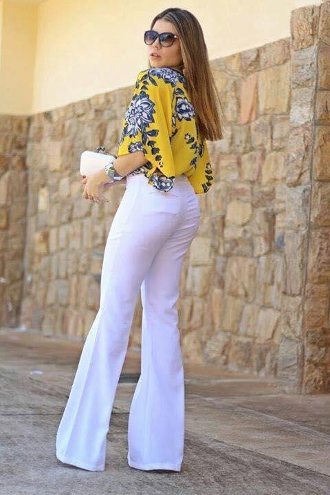 Color blanco para pantalones acampanados en tendencia