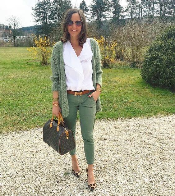 Color verde para look de mujeres de 40 años o más