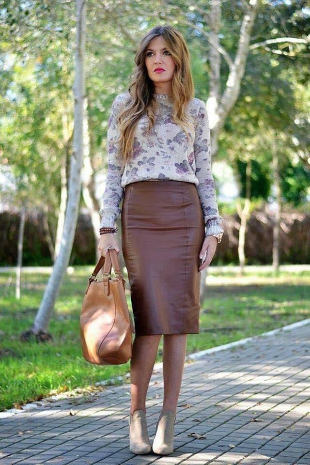 Combinación con suéter y falda tipo lápiz para mujeres grandes