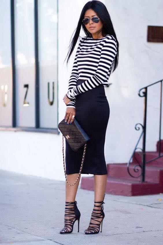 Combinación de falda con punta de lápiz para blusa de rayas manga larga