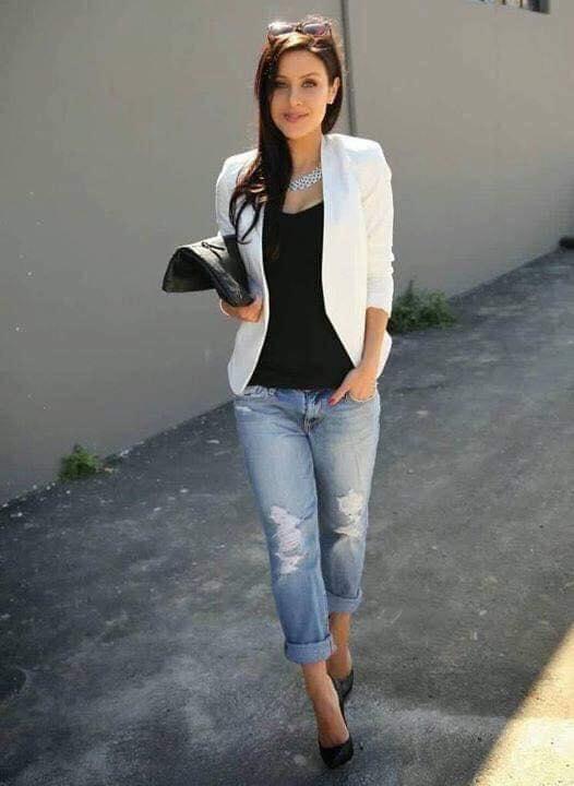 Cómo combinar un blazer blanco con prendas básicas