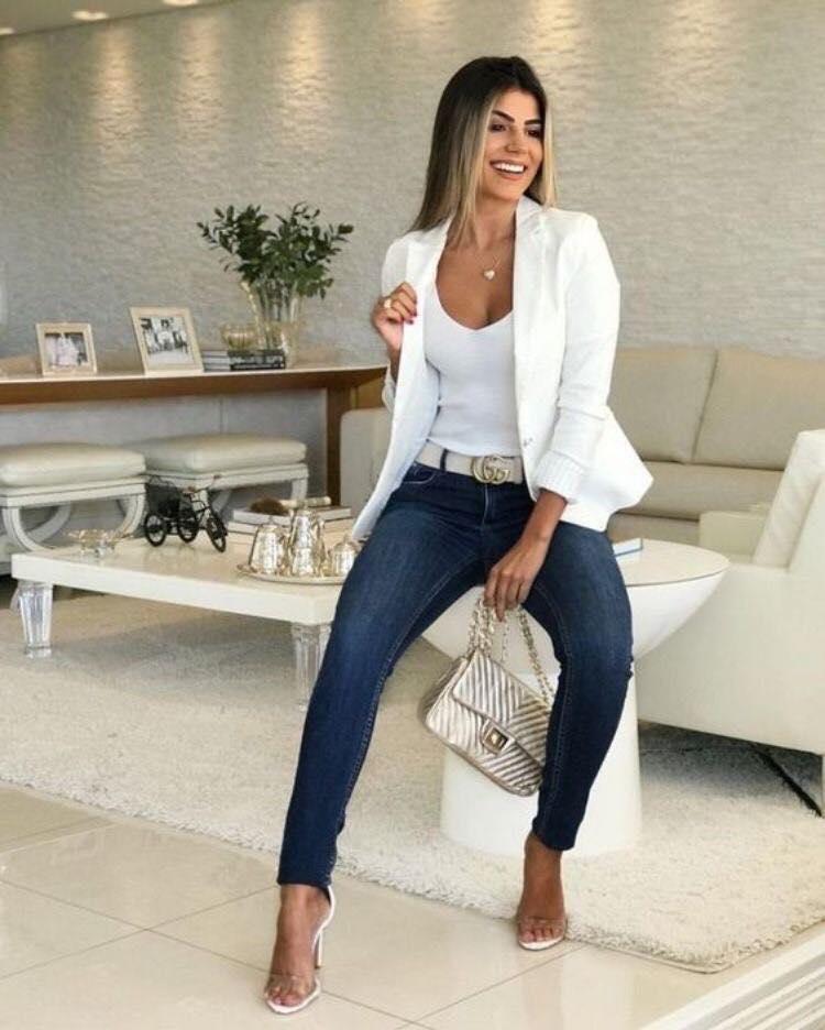 Cómo lucir elegante con pantalones a la cintura y blazer