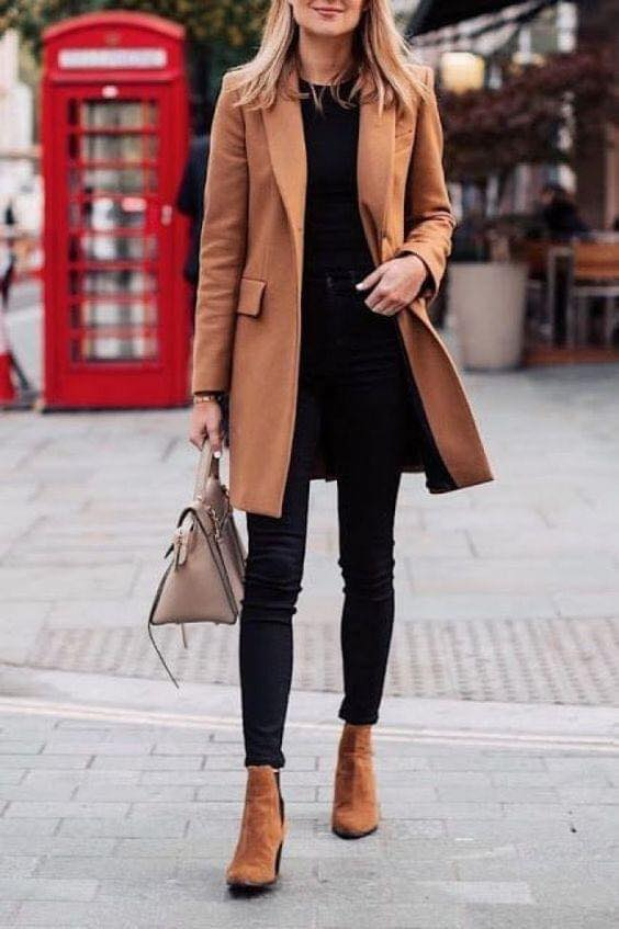 Conjunto café con saco y botas para mujeres