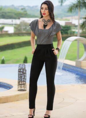 Corte recto en pantalón estilo elegante para mujeres modernas