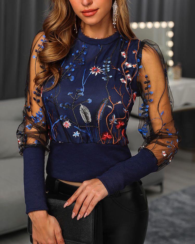 Diseño de encaje para blusa de mujer mayor de 40 años
