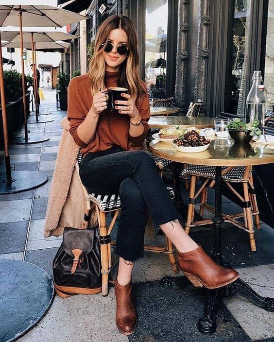 Ideas para combinar ropa café para la temporada