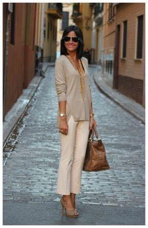 Look elegante con pantalones de traje para mujeres de más de 40 años