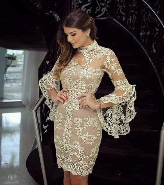 Mangas semi transparentes para vestido de encaje en mujeres de 40 años o más