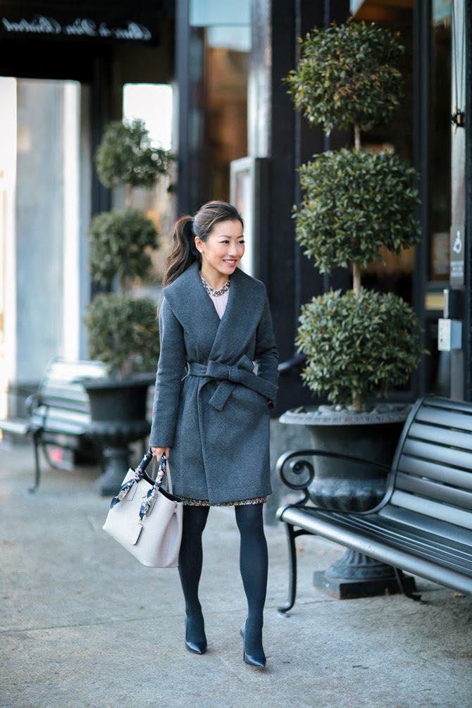 Saco elegante con moño para outfit de mujeres de 40 años o más