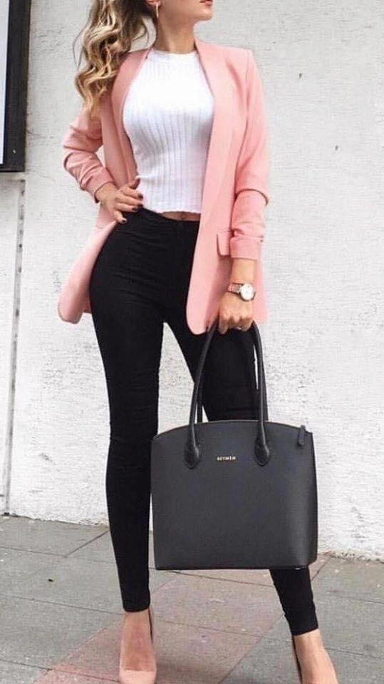 Tendencias de blazers rosas para mujeres maduras modernas y elegantes 2020 - 2021