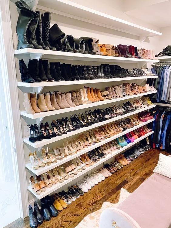 Cómo organizar los zapatos en tu vestidor