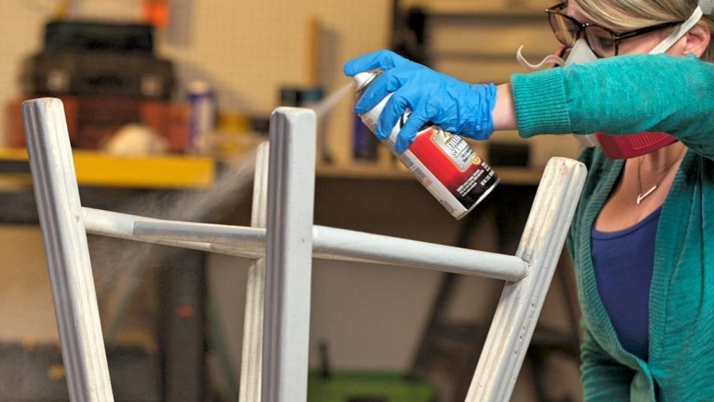 Consejos para pintar muebles de madera con spray