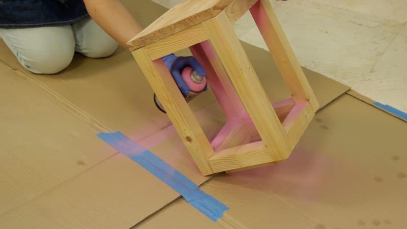 Cuidados a la hora de pintar muebles con spray