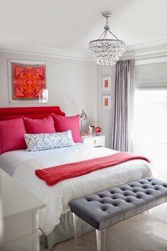 Dormitorios femeninos pequeños