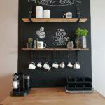 Elementos en la cocina pintados de pizarra