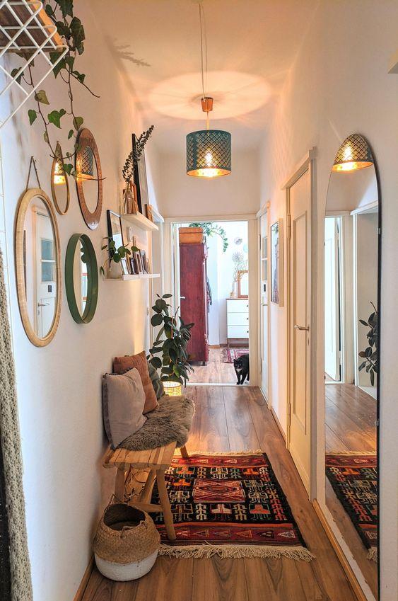 Estilos para decorar pasillos interiores