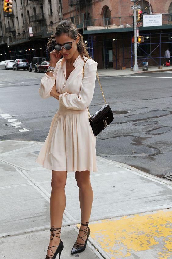 Looks con zapatillas y vestido