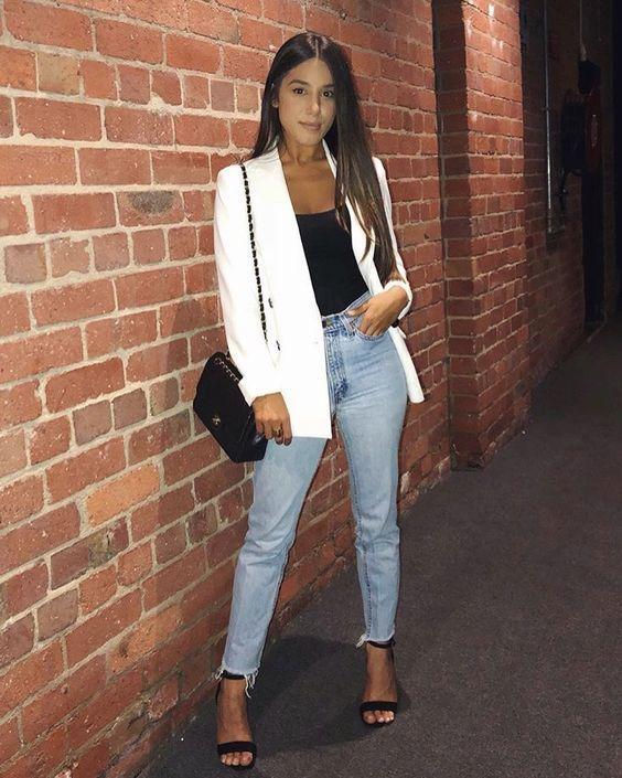 Outfits con tacones y jeans