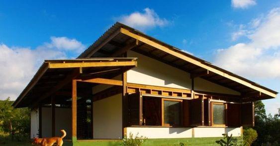 Ideas de casas de campo con techos de dos aguas