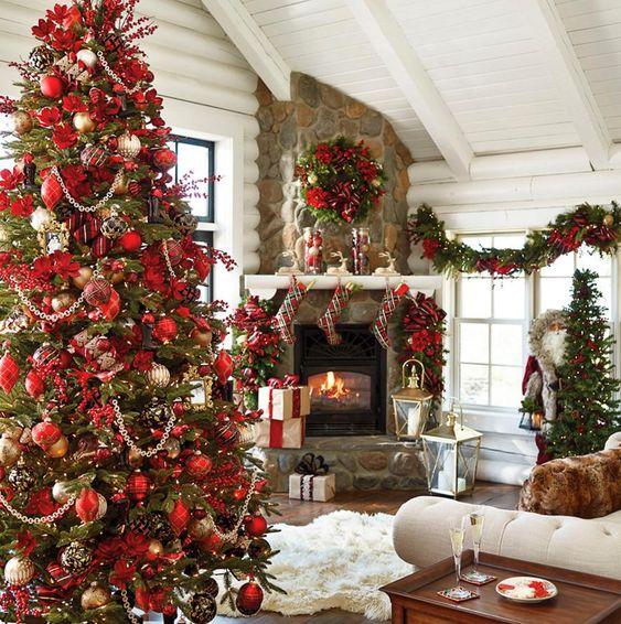 Ornamentos clásicos para el pino de Navidad